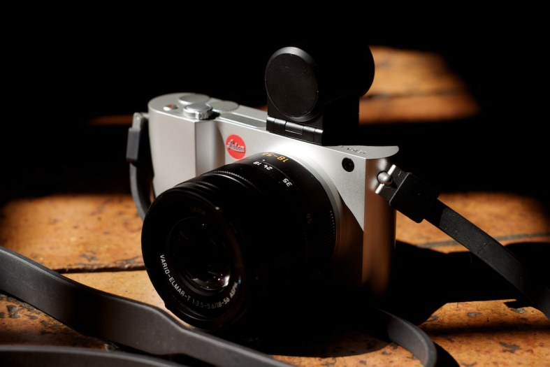 Leica T with the 18-56 Vario-Elmar Asph and the EVF