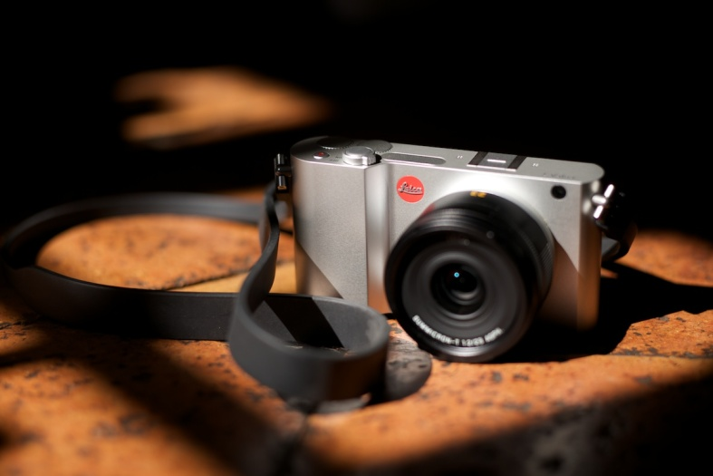 The Leica T with the 23mm Summicron Asph and no EVF (shot with M and 75 'cron APO)